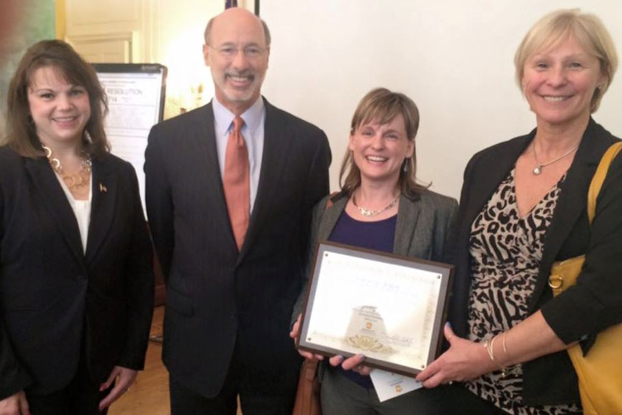 Governor's Award 2016 Gwen Rodi, Governor Tom Wolf, Andrea Iglar, Peggy Patterson